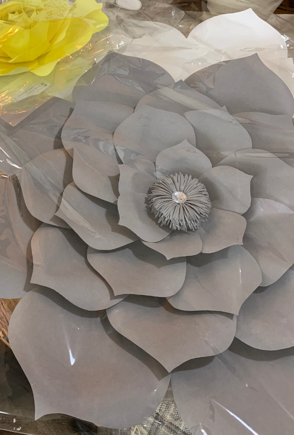 124 ($25) SALE - Wall Flower