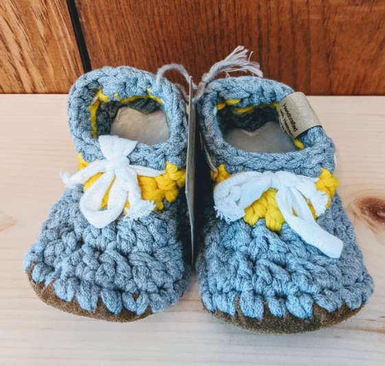 127 ($40) Booties 6-12mths