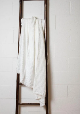 076 ($150) Throw Hampton - Milk - Linen
