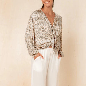 Puff sleeve leopard shirt