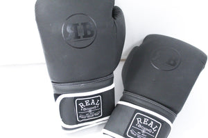 BLACK EYE GLOVES