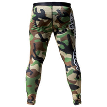 Load image into Gallery viewer, Triumph United Spats - Camo