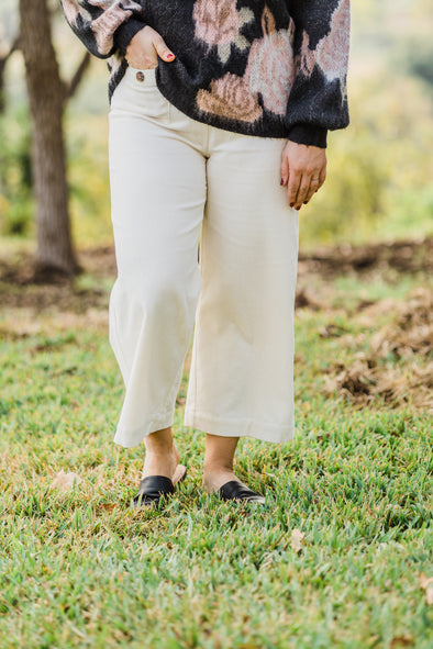 Woven High Rise Corded Pant