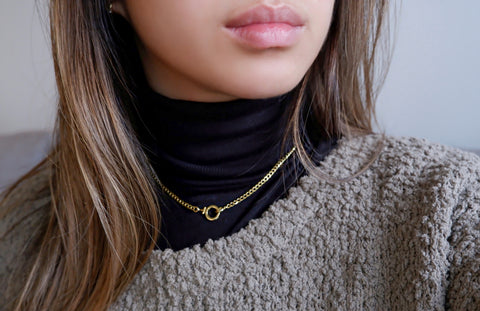 Winter Fashion Gold Chain Necklace with Front Clasp