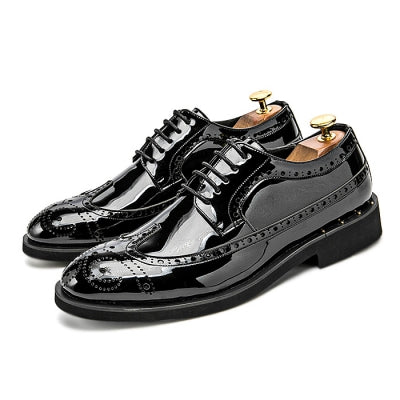 Stylish Glossy Bullock Carved Dress Shoes for Men