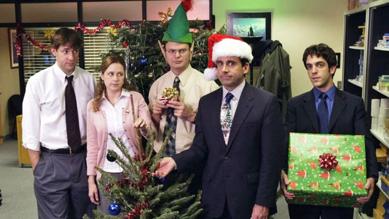 How to throw a virtual Christmas scavenger hunt for your remote team!