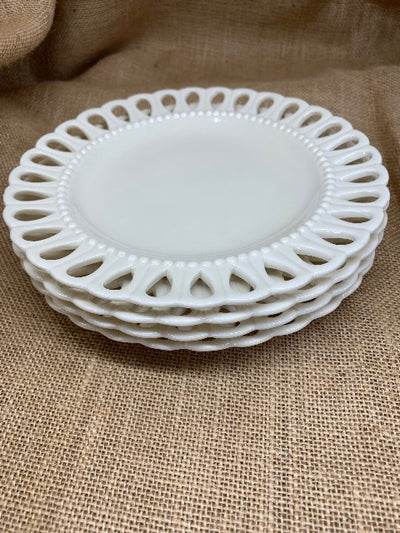 Scalloped Edge Vintage Picnic Plates