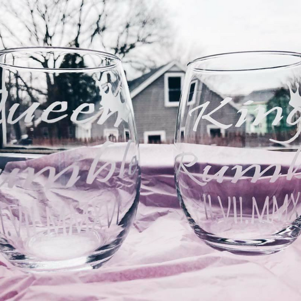 Custom Paired Wine Glasses - Krumble Krafts