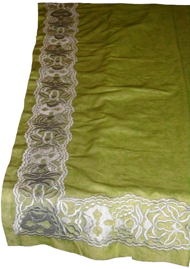 Green Table Cloth Set with White Embroidery