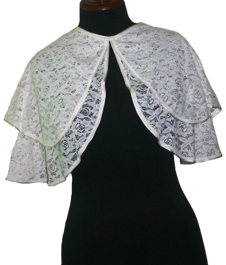Short Lace Cape