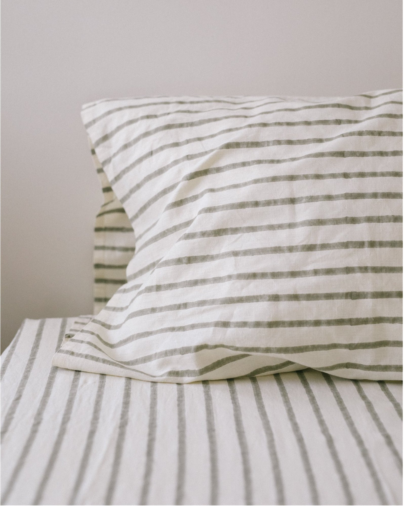 Hemp Fitted Sheet - Ash Stripe