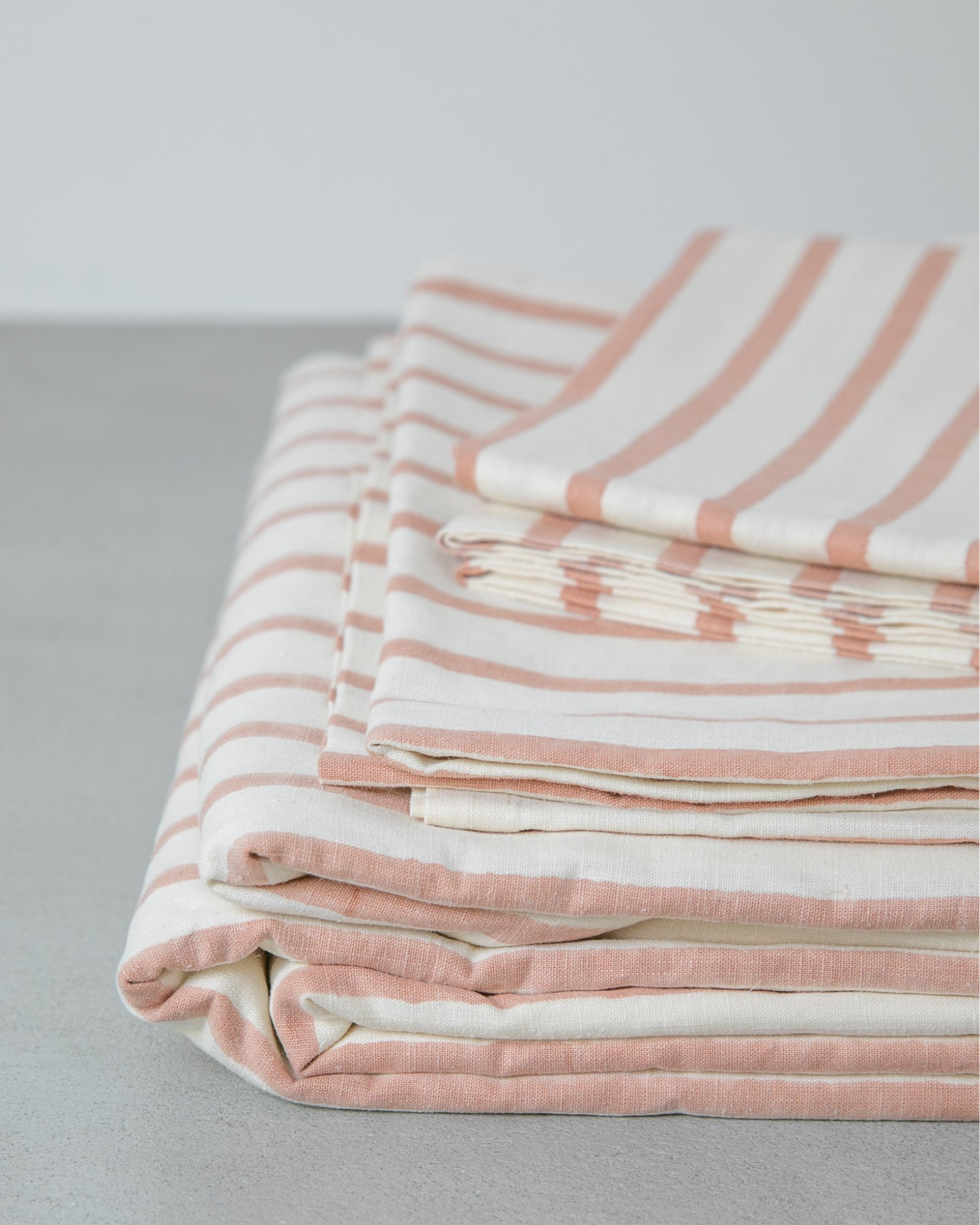 Hemp Fitted Sheet - Blush Stripe