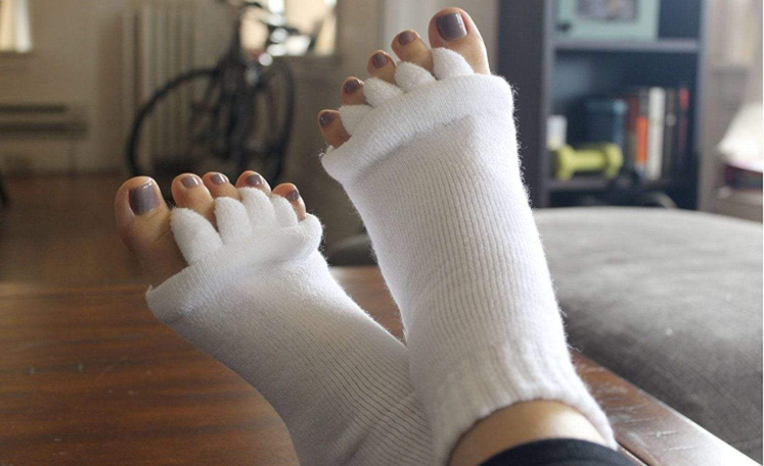 Top 5 Best Toe Separator Divider Socks For Shoe Comfort