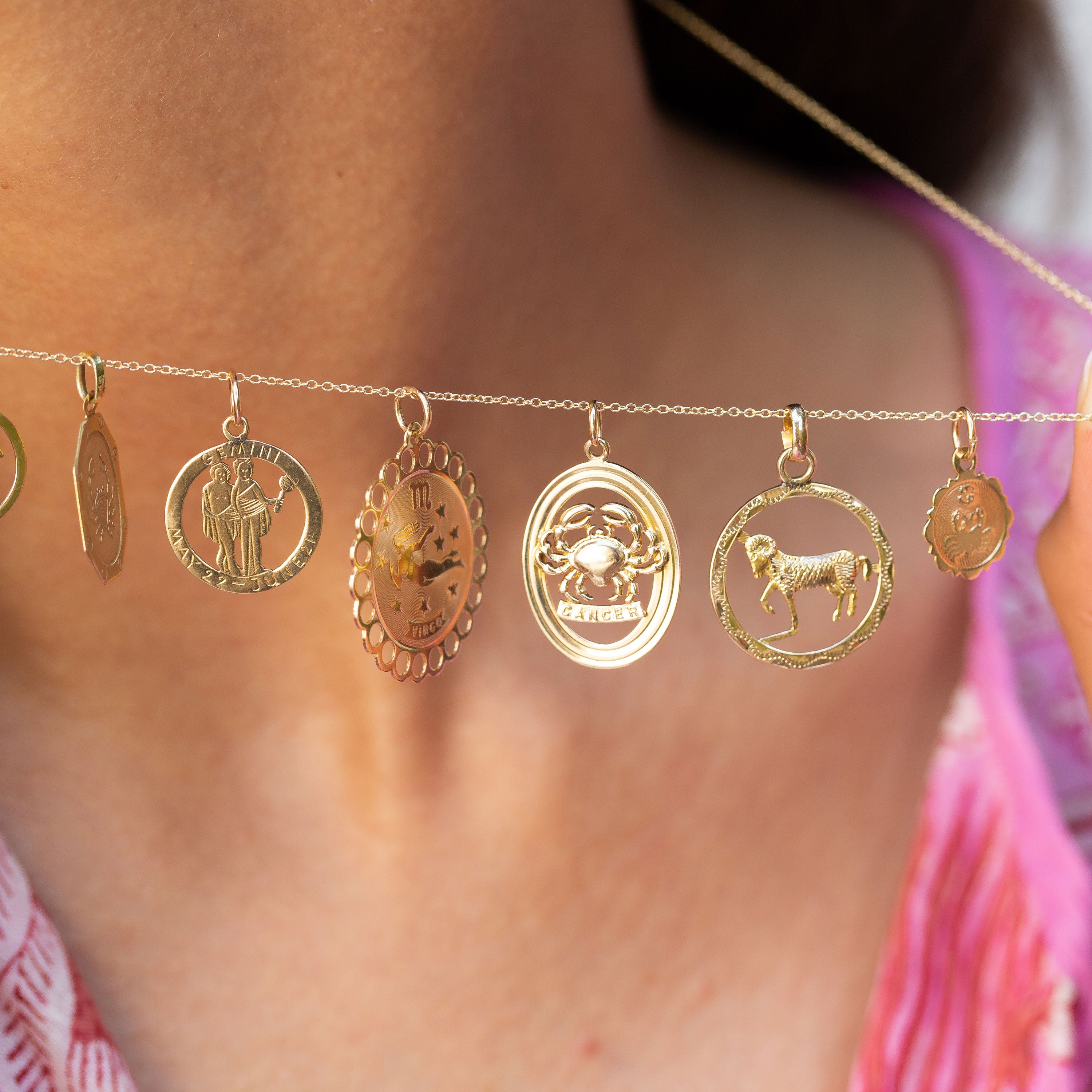 English Cancer 9K Gold Oval Zodiac Charm