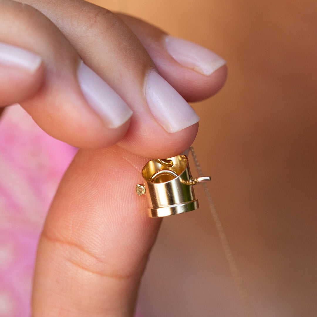 Movable Flour Sifter 14k Gold Charm
