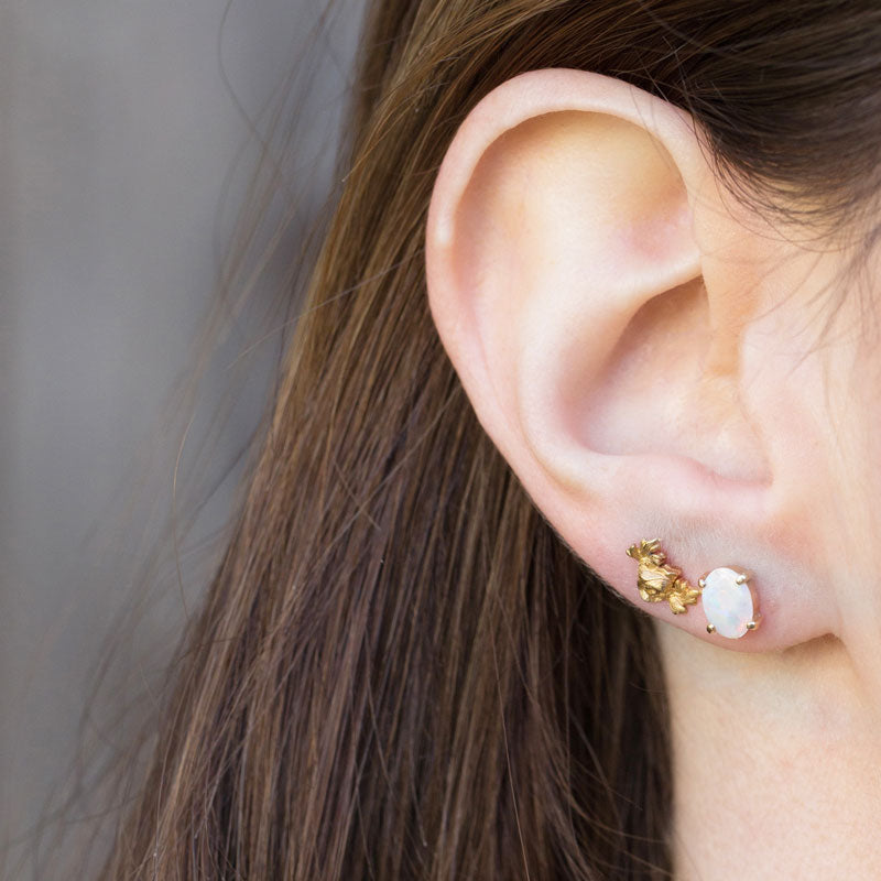 Rococo 18K Gold Stud Earrings