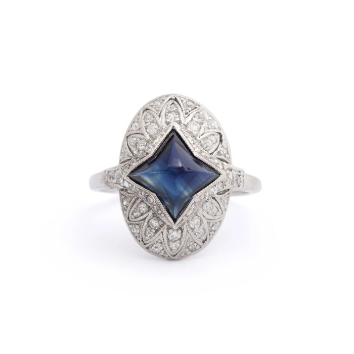 Edwardian Sugarloaf Sapphire and Diamond Platinum Ring