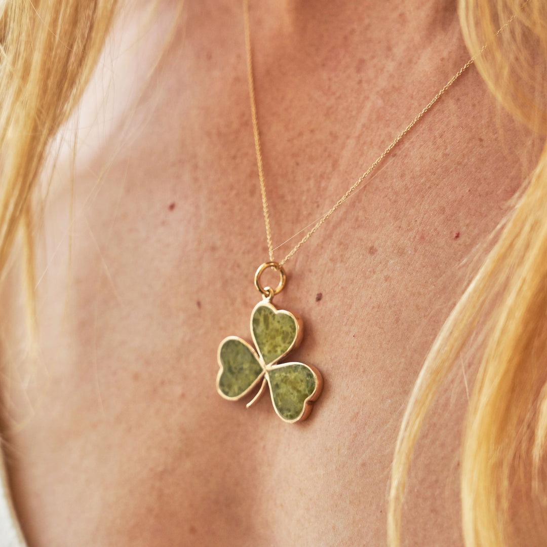 Chalcedony And 9k Gold Clover Pendant Necklace