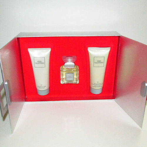 Very Valentino Perfume 3 Pc. Gift Set (EDT 1.7, Body Lotion & Shower Gel)