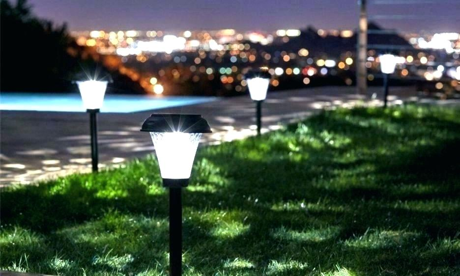 The current status and development trend of global solar street lighting market (2019~2025)