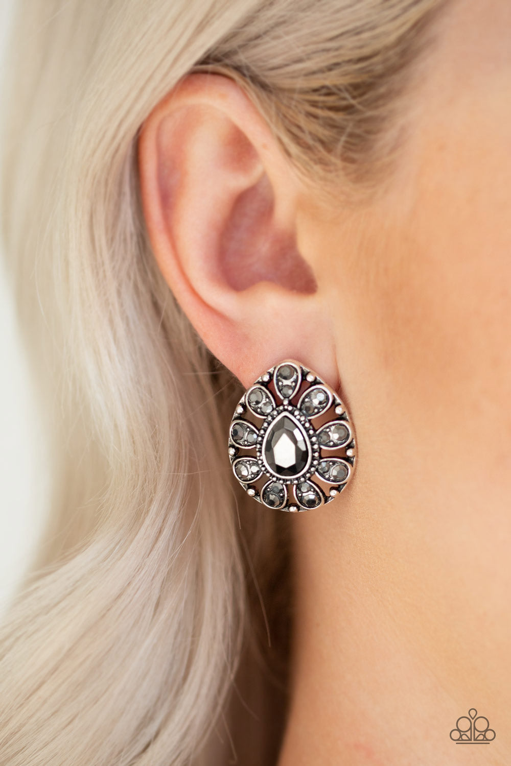Paparazzi Treasure Retreat - Silver Earrings