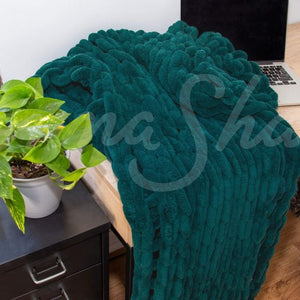 Chenille Chunky Knit Throw ~ Peacock