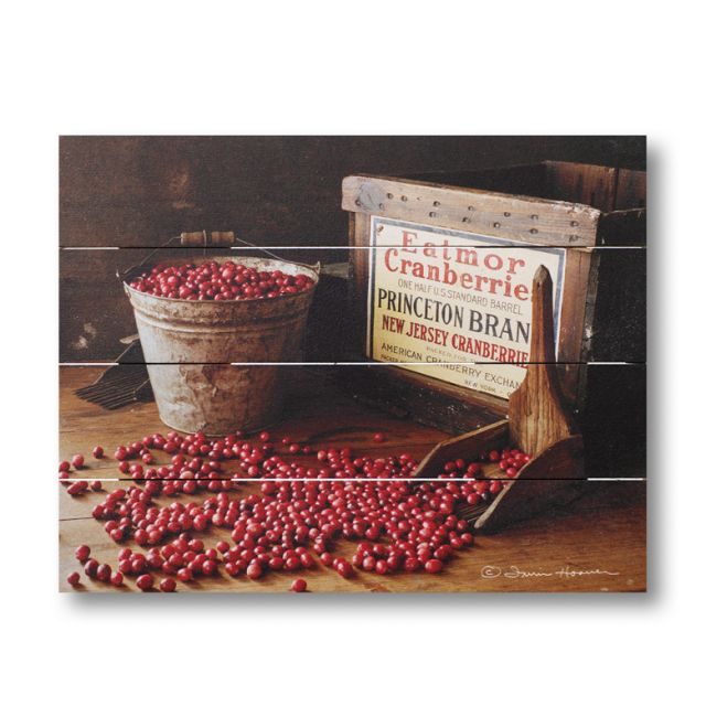 Farmhouse Pallet Wall Art ~ Cranberries by Irvin Hoover