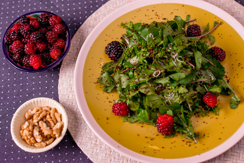 Arugula, berries and Parmesan Cañahua Salad - Superfood