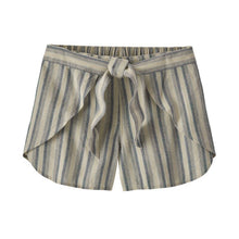 Load image into Gallery viewer, Women's Garden Island Shorts
