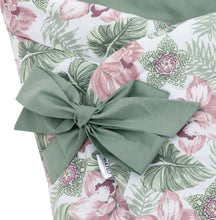 Load image into Gallery viewer, FLORAL SWADDLE BLANKET