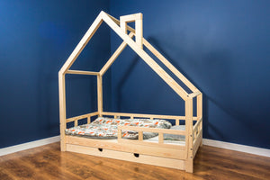 WOODEN HOUSE CLEO COLOR BED WITH RAILINGS