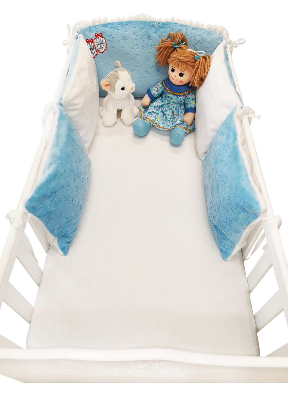 WHITE BLUE 5 ELEMENTS COT BUMPER WITH BLUE POMPONS