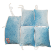 Load image into Gallery viewer, WHITE BLUE COT BUMPER WITH BLUE POMPONS