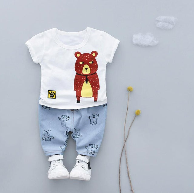 Casual Summer outfit with Printed Bear