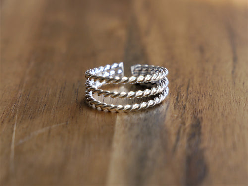 Beautiful 3 Band Twist Toe Ring - Ocean Gypsy NZ