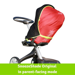 SnoozeShade Original on a parent-facing Stokke Xplory