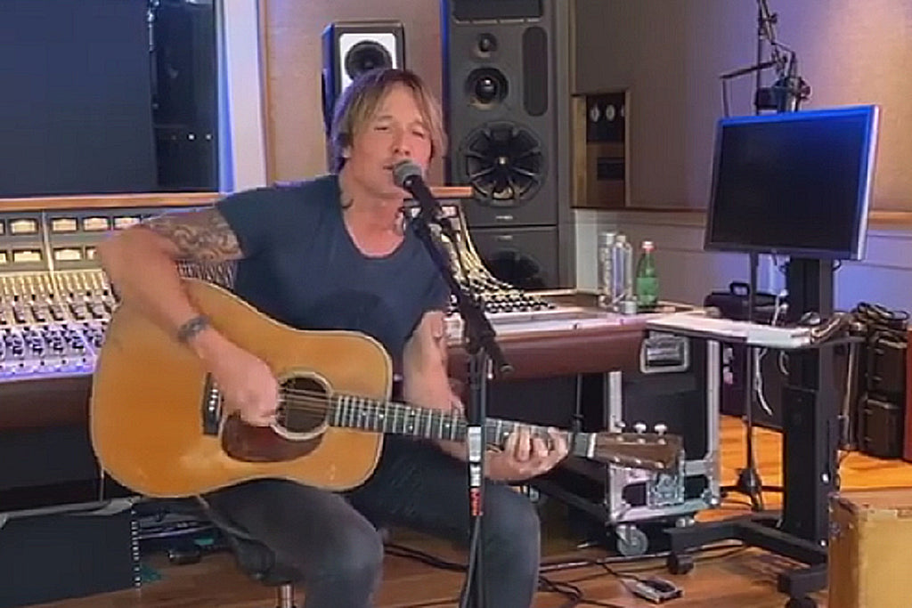 Keith Urban Pays Tribute To Kenny Rogers With 'The Gambler' LiveStream