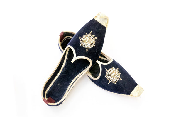 Black Dulha Khussa - Men's Shoes - South Asian Fashion & Unique Home Decor