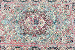 Pakistani Handmade Wool Rug - Trendz & Traditionz Boutique