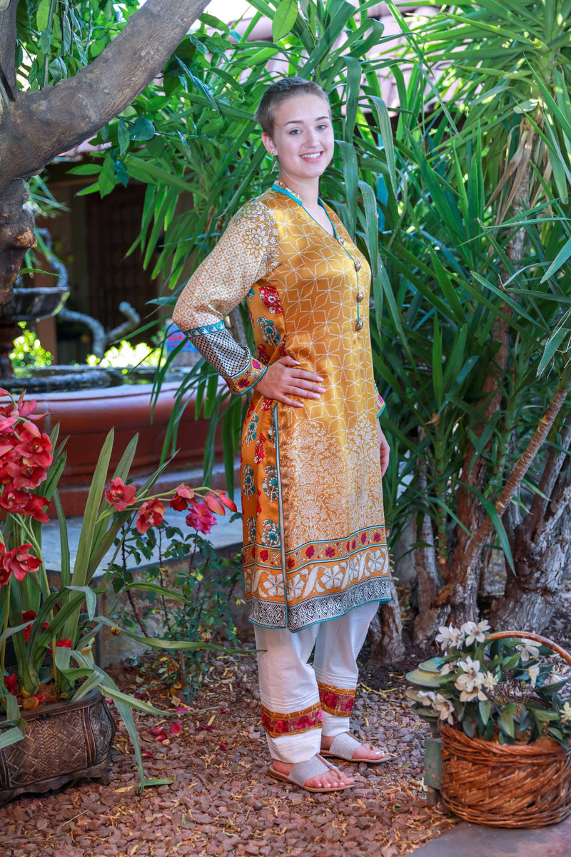 Sana Safinaz Silk Suit- Trendz & Traditionz Boutique