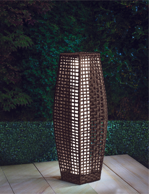 Rattan Effect Solar Outdoor Lamp