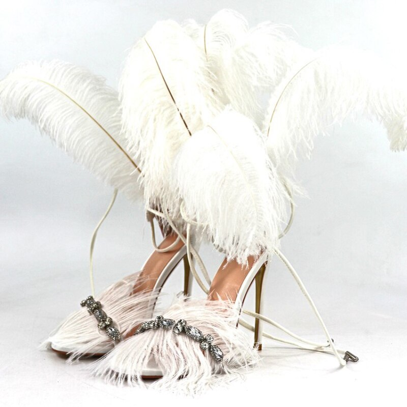 GLADIATOR FEATHER SANDALS IN WHITE