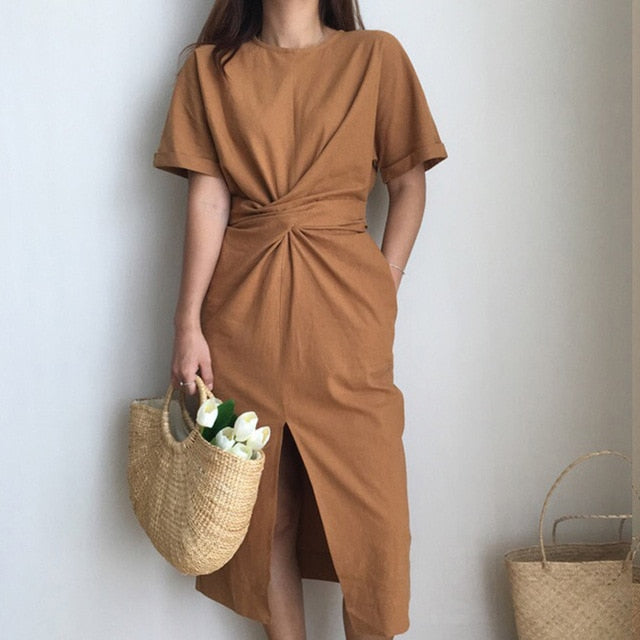 LOOSE FIT ROUND NECK DRESS IN BROWN