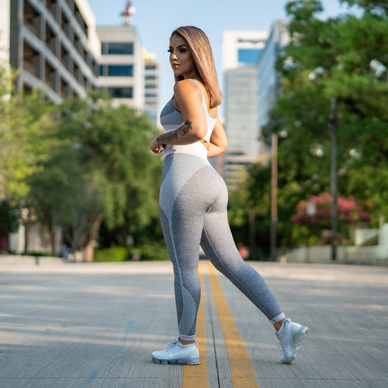 Elevate Seamless Leggings (Grey and White)