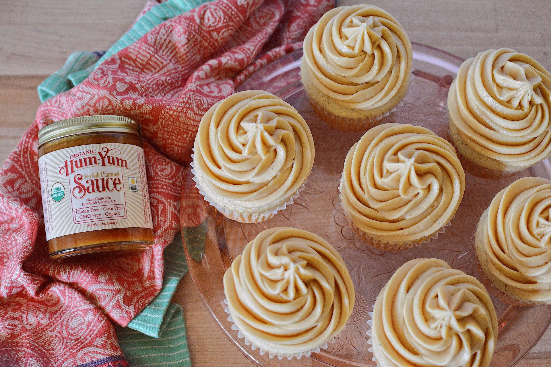 Easy HumYum Caramel Buttercream Frosting