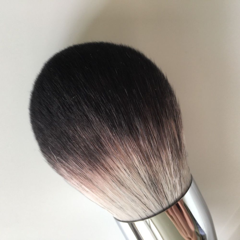 SEPHORA Collection PRO Featherweight Powder Brush #91