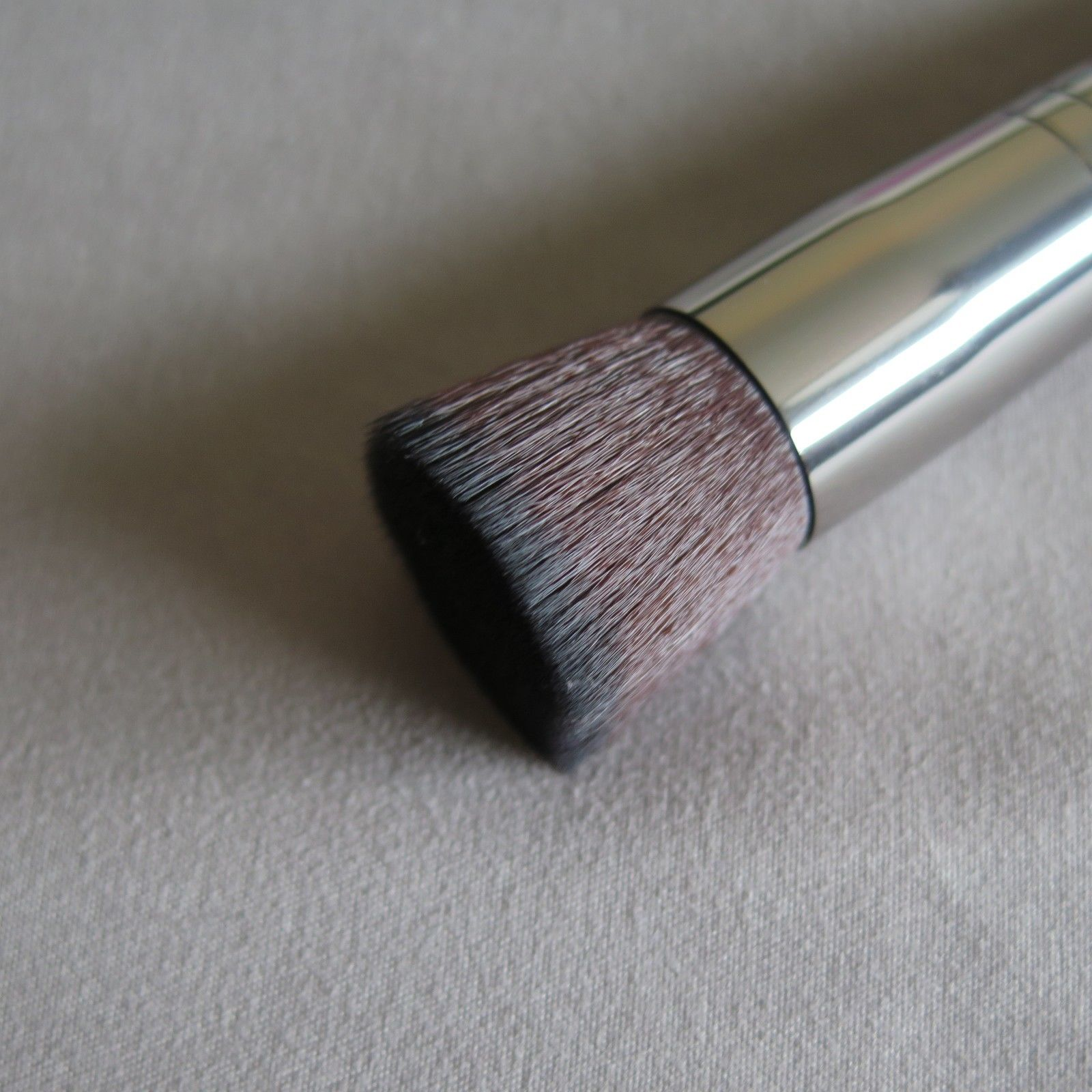 MAKE UP FOR EVER Buffer Blush Brush #154