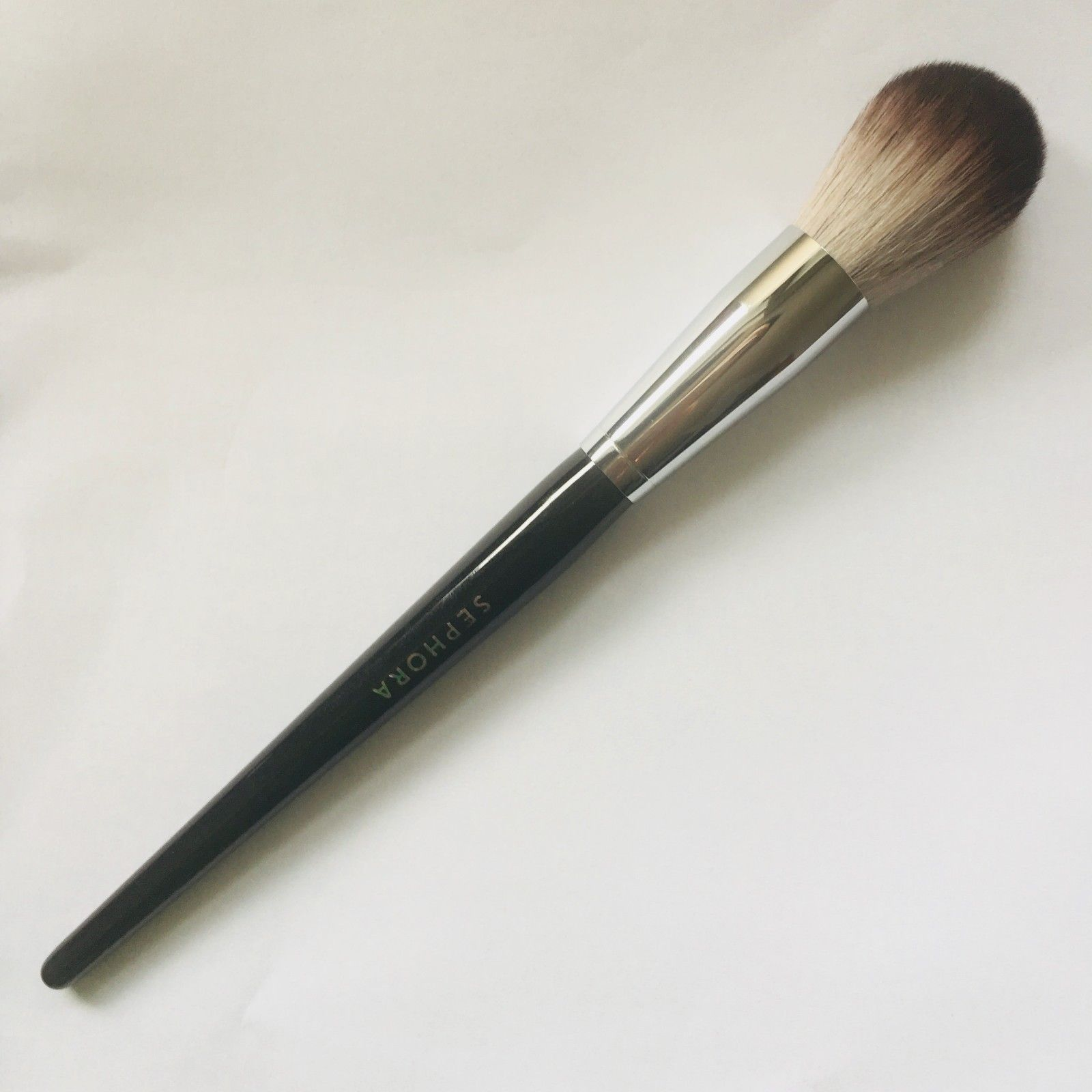 Pro Featherweight Complexion Brush #90 by Sephora Collection #5