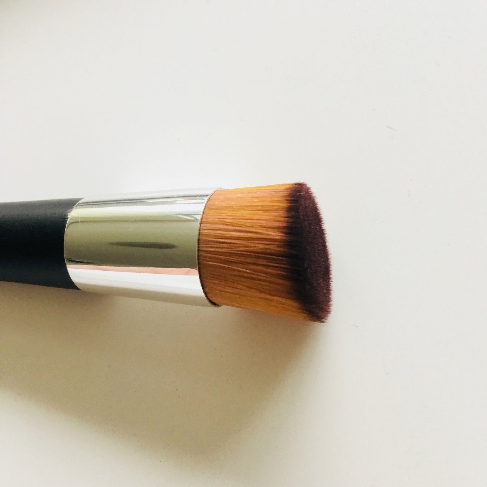 155206eada Dior Fluid Foundation Brush #12 – Pony Brushes