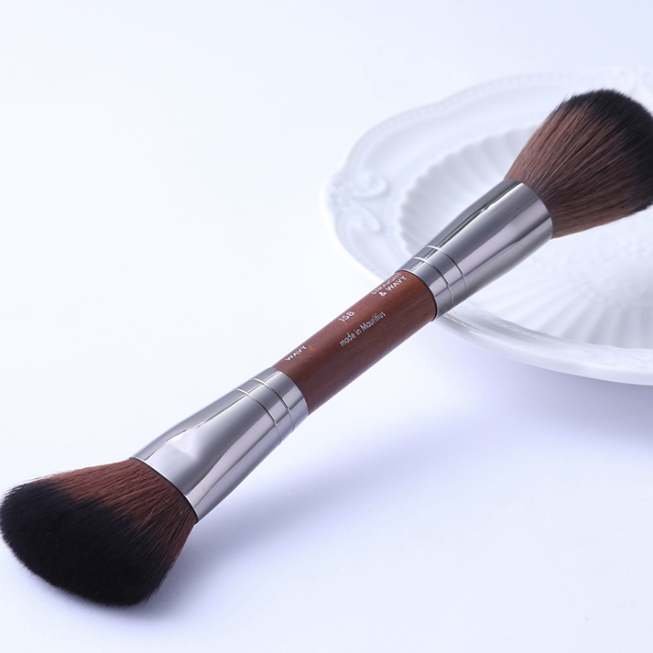MAKE UP FOR EVER 158 Double-ended Sculpting Brush
